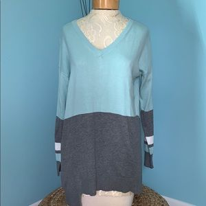 Vince Camuto Medium Blue & Gray Tunic Sweater